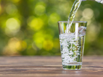 Are You Taking the Right Amount of Water With Your Medicine?